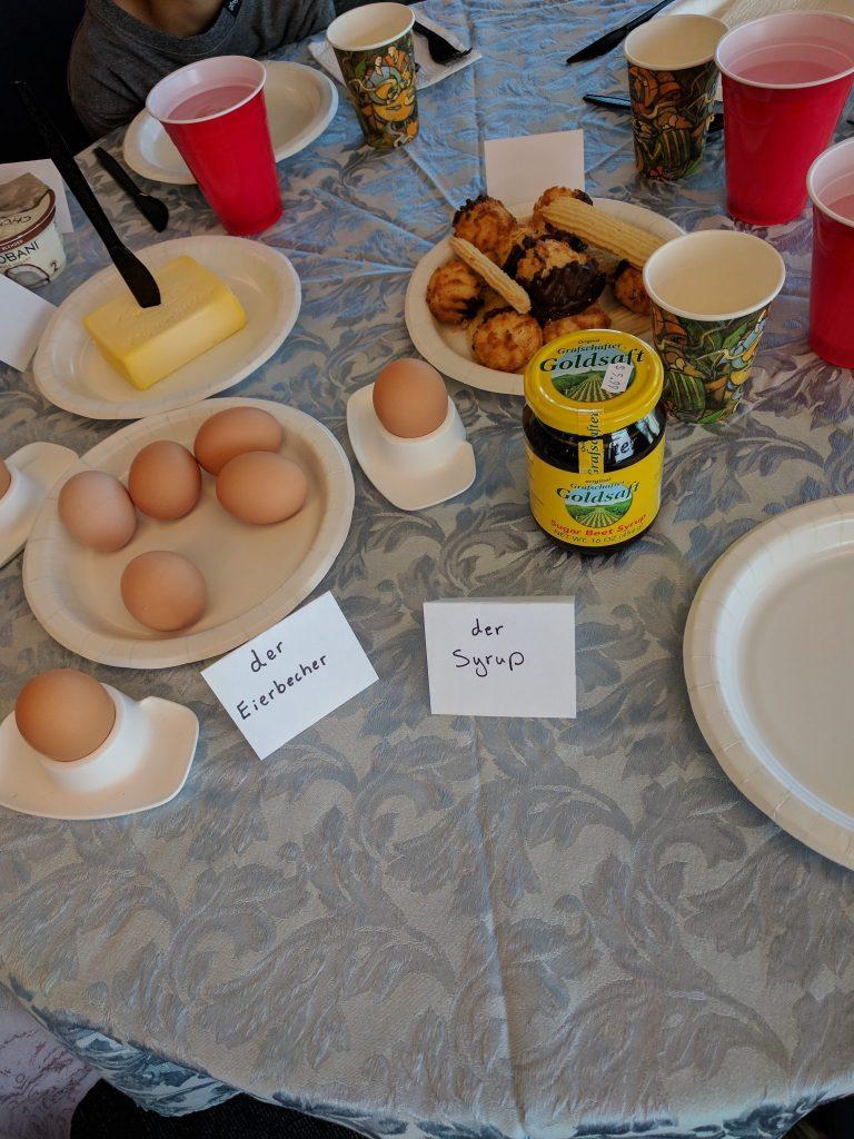 Der Eierbecher, der Sirup